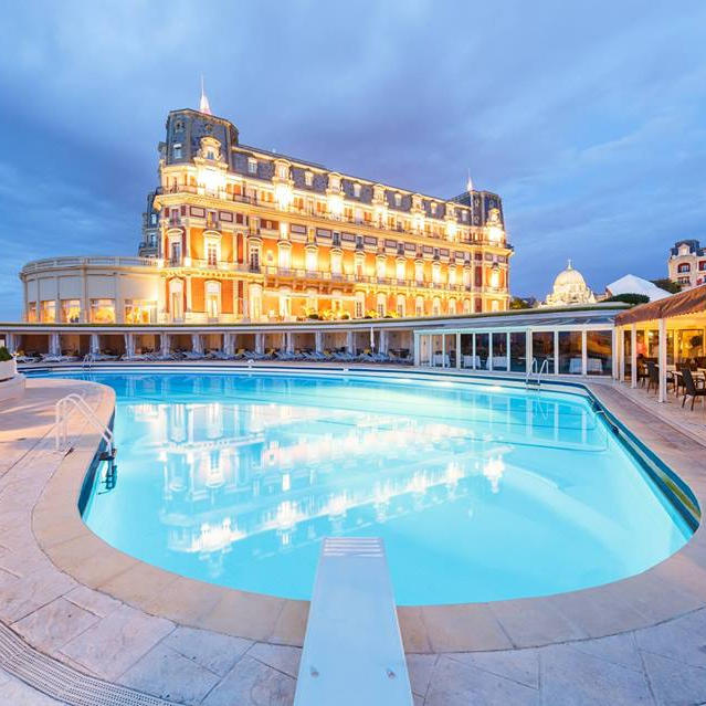 H tel du palais biarritz est un tablissement 5 toiles for Piscine biarritz
