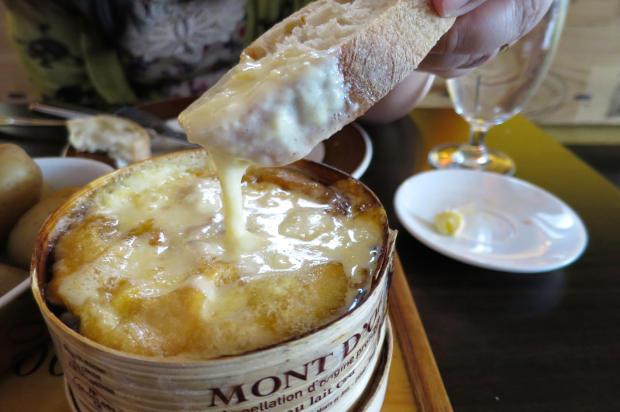fromage mont d'or en fondue